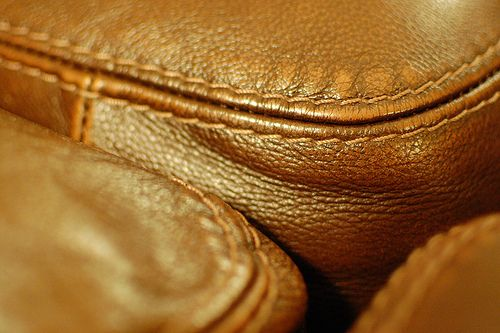 How To Remove Stain On Leather Sofa Easily?