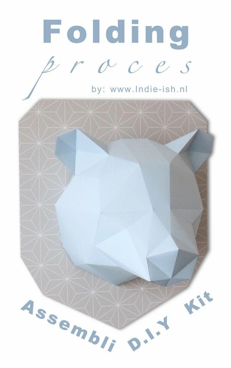 Vouw instructie D.I.Y kit Assembli. Origami folding kit assembli bear. Wall trophy. Paper