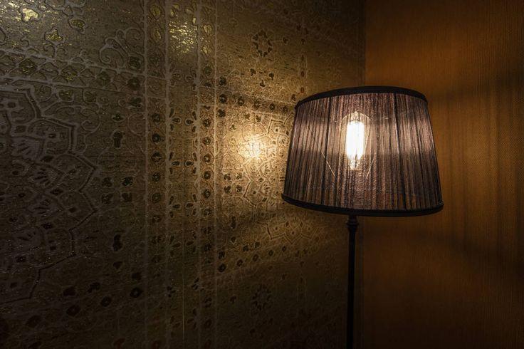 Vind afbeeldingen van aziatische Slaapkamer in de kleur translation missing: nl.color.slaapkamer.amber-goud: Oriental Wallcover. Ontdek de mooiste foto's & inspiratie en creëer uw droomhuis.