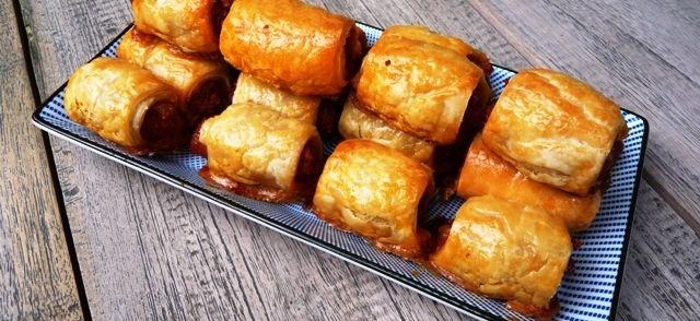 Tapas Worstjes In Bladerdeeg (Delicias De Chistorra) recept   Smulweb.nl