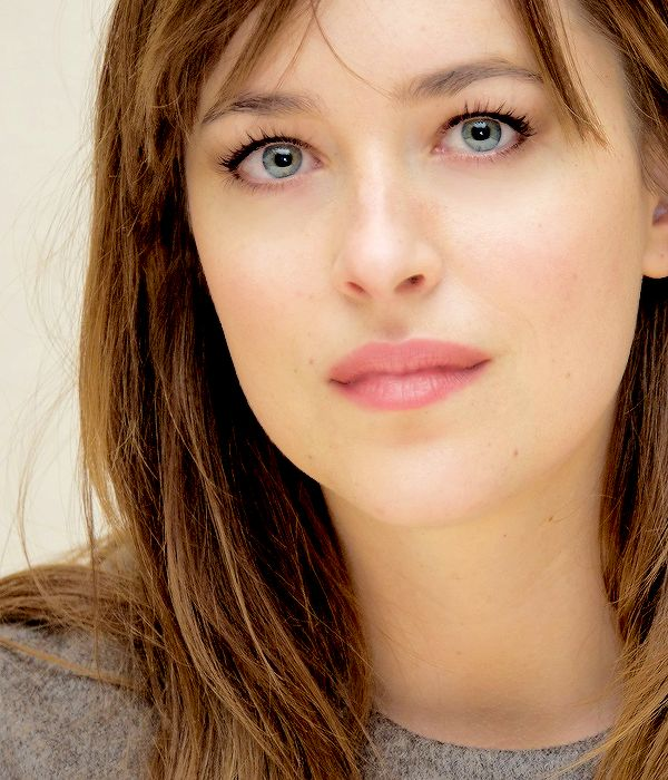 Stunning Dakota Johnson Fifty shades of grey