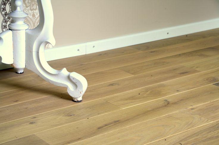 Massief eiken vloer naturel: prachtig in een brokante-interieur