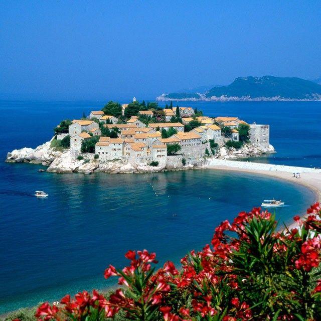 via Pinerly - http://www.pinerly.com/i/Z8wXWDestinations, Montenegro, Favorite Places, Sveti Stefan, Beautiful Places, Svetistefan, Mornings Coffe, Places I D, Travel