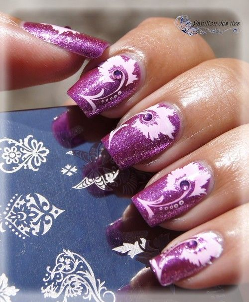 Shop www.parlezenauxcopines.com Nail art stamping APIPILA P27 @papillon_des_iles sur le vernis Jade Diamond SPARKLING AMETHIST ultra brillant composé de particules d'argent.