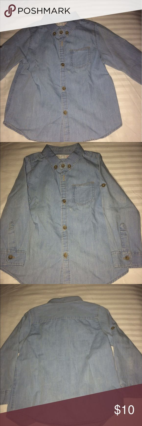Zara Chambray Shirt Excellent Condition Zara Chambray Shirt. Can be worn with army fatigue, white or denim jeans. Zara Shirts & Tops Button Down Shirts