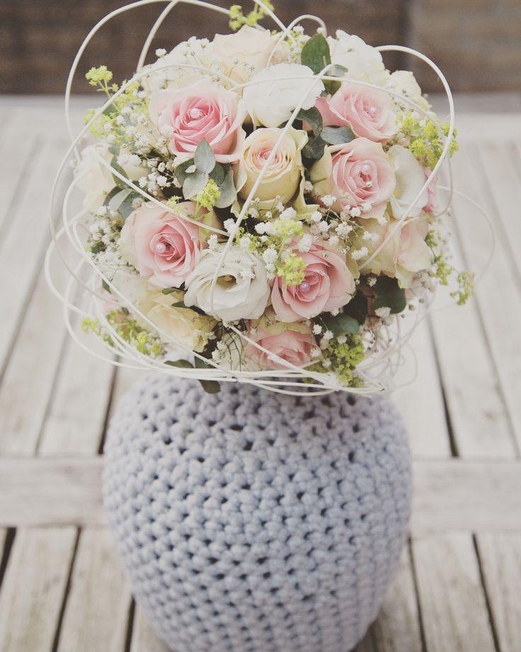 Bruidsboeket op bridy #bruiloft #bruidsboeket #wedding #weddingbouquet #bridalbouquet #rozen #roses #roze #pink