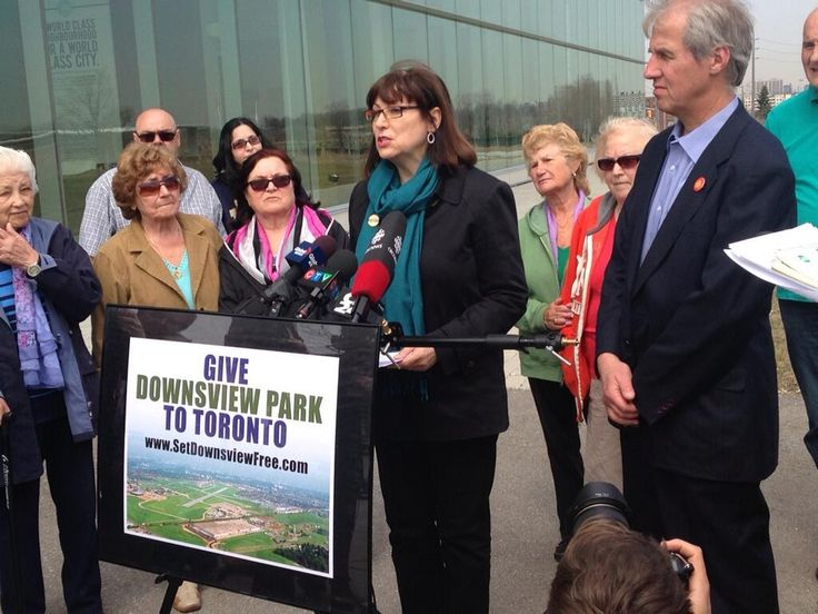 """Councillor Maria Augimeri calls on feds to give Downsview Park to the City; """"secret"""" memo advised feds to give it up pic.twitter.com/iw5lIq2vzV"""