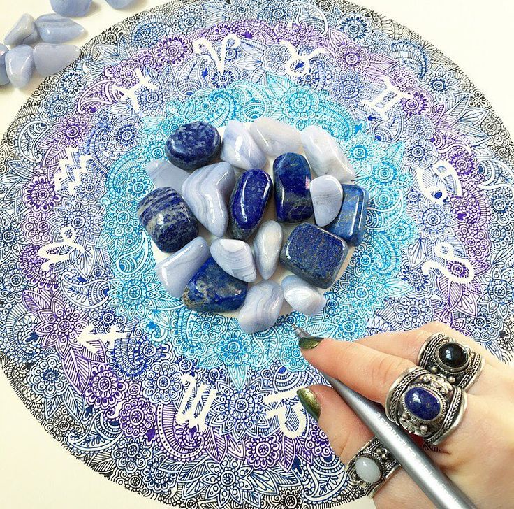 ♌️ What star sign are you? ♒️ Wearing colour co-ordinating Tibetan Rings ॐ www.ohmboho.com ॐ #ohmboho #jewellery #jewelry #jewels #jewelrygram #jewelryaddict #crystals #art #doodles #mandala #mehndi #creative #astrology #starsign #rings #boho...