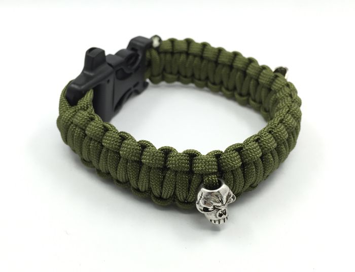 Outdoor Camping Men 550 Whistle Paracord Bracelets with skull  Emergency Survival Bracelet - Outdoor Camping Men 550 Whistle Paracord Bracelets with skull  Emergency Survival Bracelet  - http://shopperbytes.com/product/outdoor-camping-men-550-whistle-paracord-bracelets-with-skull-emergency-survival-bracelet/
