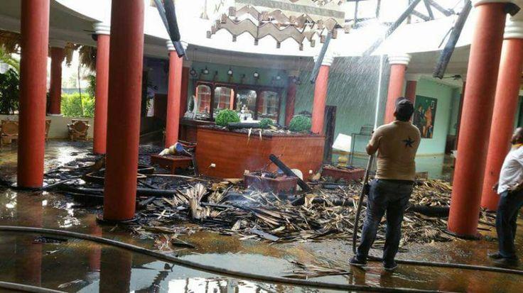 Aún se desconocen las causas que pudieron activar el incendio pero se espera el informe del intendente del Cuerpo de Bomberos Municipales. Un f...