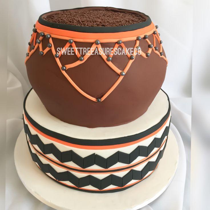 Made this cake for a #traditional #swati #wedding. #calabash #2tiercake #orange #black and #white. #johannesburg #sweettreasures #sweettreasurescakeco #joburg #marriage #love #africanweddings