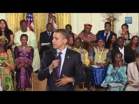 Barrack Obama sings Boyfriend by Justin Bieber. I found this HILARIOUS!