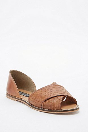 Deena & Ozzy Jada Vamp Flat Shoes in Tan
