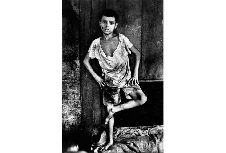 Em março de 1961, com John F. Kennedy recém-empossado na Casa Branca e um Jânio Quadros errático ainda na presidência do Brasil, o multi-talentoso Gordon Parks aportou no Rio de Janeiro. Ele recebera da revista LIFE, à época a mais influente publicação ilustrada do mundo, a tarefa de fazer uma série de reportagens fotográficas sobre …