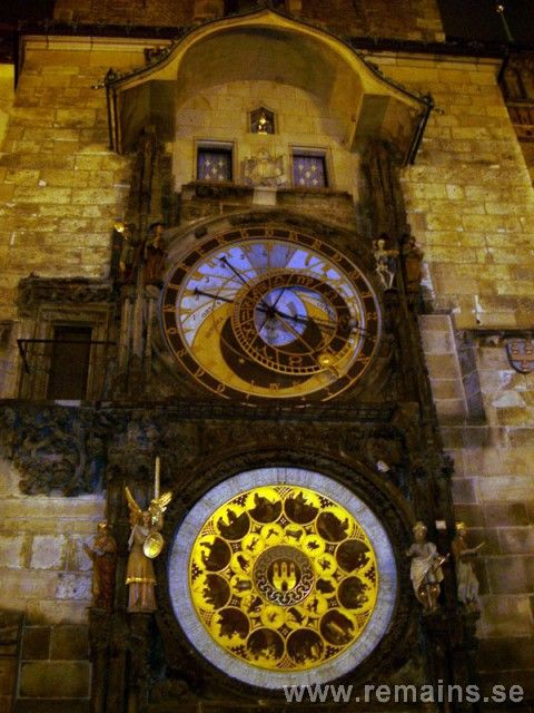 « Watashi wa #Hijō ni #Atsui #Otokodesu ». : Picture I: #Automate, Pictures: II, III, IV: #Horloge #Astronomique de #Prague, (Prévu #Voyager en République #Tchèque, Pays #Superbe), Picture V: Horloge #Japonaise #Epoque d'#Edo: « Approximately #Seventy #Countries #Changing from #Hour this #Weekend. This Made me #Think of #Old #Clocks ».