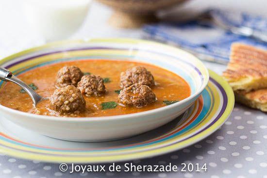 Chorba frik, soupe algérienne Qui ne connait pas la chorba? Cette soupe, facile à réaliser, est une entrée des plus classiques et des plus populaires. Ap