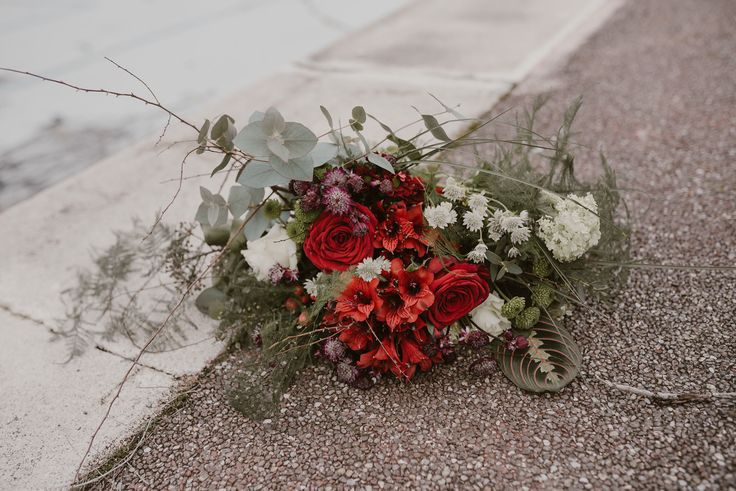 Nuevos ramos de novia Bourguignon en colaboración con Otaduy.   #bourguignonflor #bouquet #ramodenovia #novias #wedding #love #weddingtime #bodas #vestidodenovia #weddingparty #weddinginspiration #weddingplanning #weddingideas #weddingstyle #marriage #bridestyle #weddingdress
