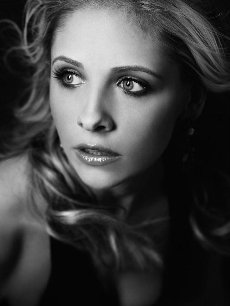 Sarah Michelle Gellar. My #1 wife. I <3 heart her tons.