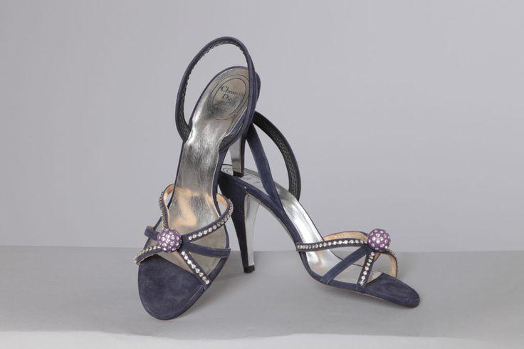 Paire de sandales en daim marine avec strass griffées Christian Dior