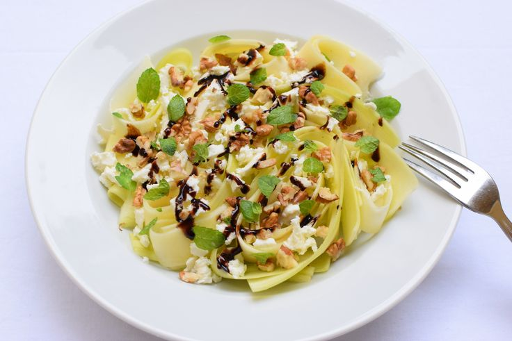 light zucchini salad with walnuts, mint, goat cheese and balsamico