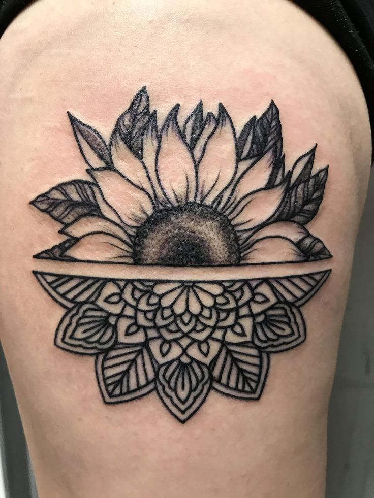 Fresh sunflower mandala by Emily Paul at Undead Ink Oceanside NY #evamigtattoos #tattoo