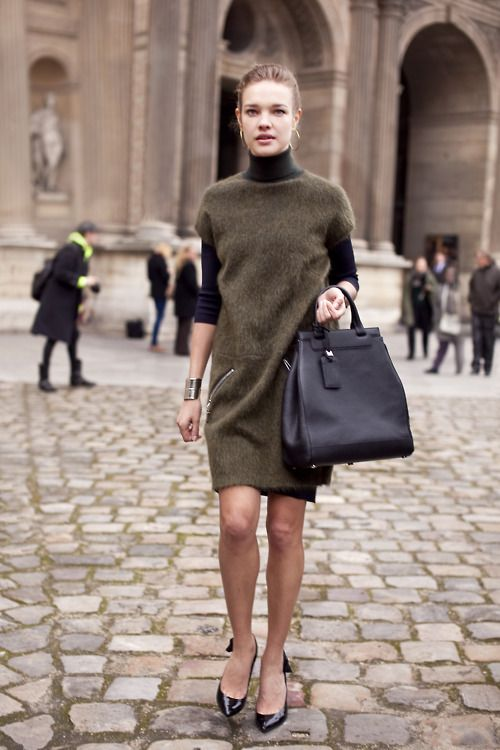 love everything about this - and her simple, minimalist jewelry.: Black Style, Wool Dresses, Louis Vuitton, Sweaters Dresses, Fashion Week, Natalia Vodianova, Prada Handbags, Models Street Style, Lv Handbags