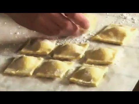 Ravioli di pesce fatti in casa: ricetta - YouTube
