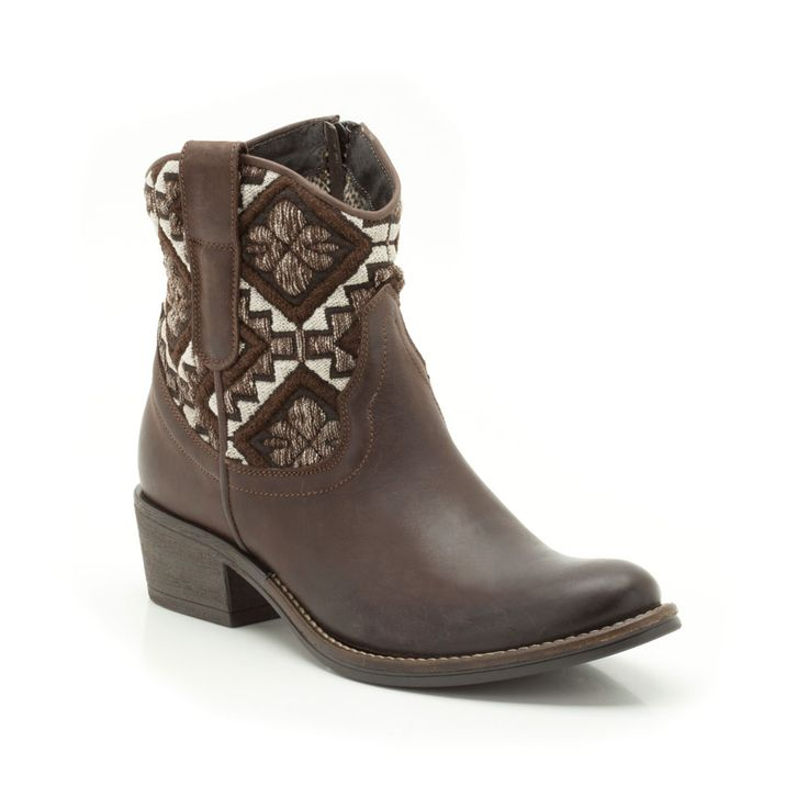 An authentic, earthy look that you'll want to wear forever, these women's cowboy style ankle boots. The mix of brown leather and tapestry fabric adds crafted appeal while an inside fastening zip and chunky 40mm heel enhance their comfort and versatility.
