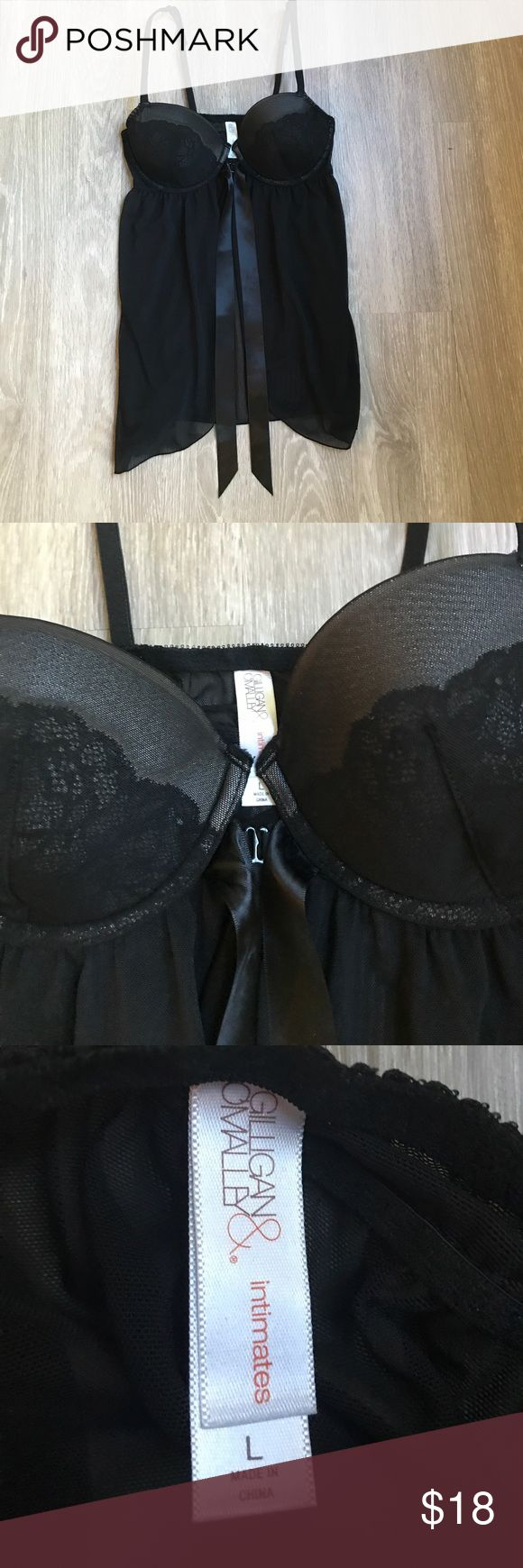 """Gilligan & O'Malley Women's Chemise Black Lingerie Brand: Gilligan & O'Malley Style: Black Lingerie Chemise Top Size: L Condition: Excellent, Like New Material: 92% Nylon, 8% Spandex Length: 20"""" From Top to Bottom of Chemise Other Features: Clasps in the middle of the chest where the Bra cups meet. It has a stretchable bust to fit most chest sizes. It also has adjustable shoulder straps. Gilligan & O'Malley Intimates & Sleepwear Bras"""