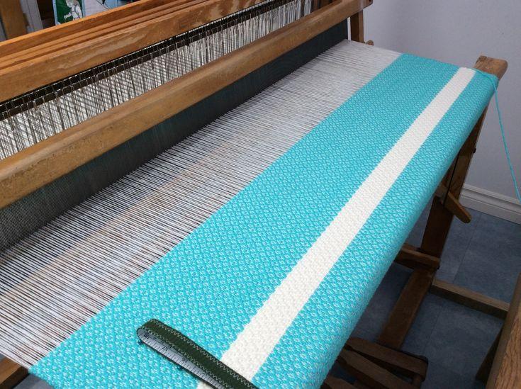 Couverture de bébé 44 X 60 pouces en acrylique 4 brins Aqua bande acrylique naturel 6 brins.