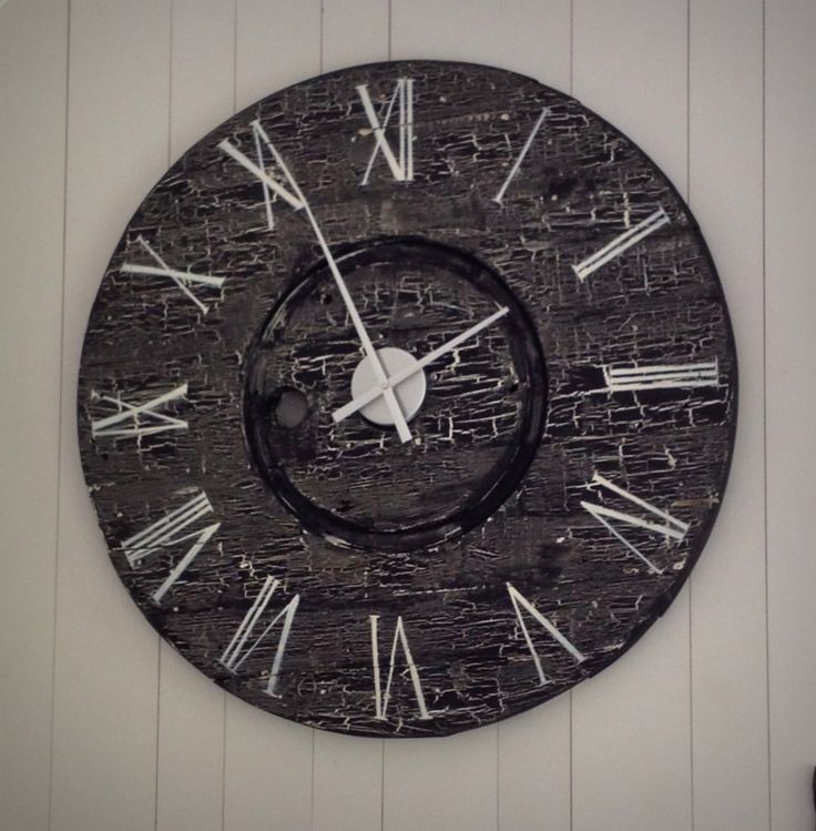 i made this huge wall clock from an old wooden cable spool