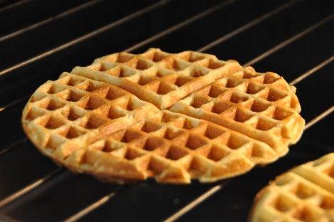 DSC_0024180 g Farina da Supermercato 130 g Farina di mais o granturco (quella per la polenta) 36 g Zucchero 10 g Lievito da torta tipo pan degli angeli 2 g Sale 80 g Olio di Semi 2 uova intere 420 g di Latte