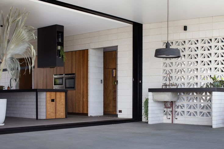 Inverdon House in Bowen, Australia by Chloe Naughton | Yellowtrace