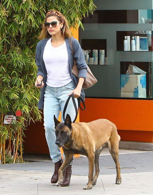 Eva Mendes strolling her dog