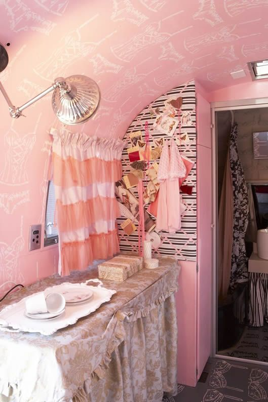 376 best Lolita/Kawaii Room Decor Inspiration images on Pinterest ...