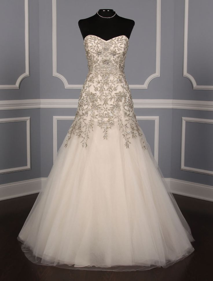 This 100% Authentic Kenneth Pool Cassandra K449 wedding dress is hand beaded.  The workmanship on this gown is out of this world!  Its fit and flare silhouette is a bit sexy, yet extremely elegant & appropriate for any type of wedding venue. #kennethpool