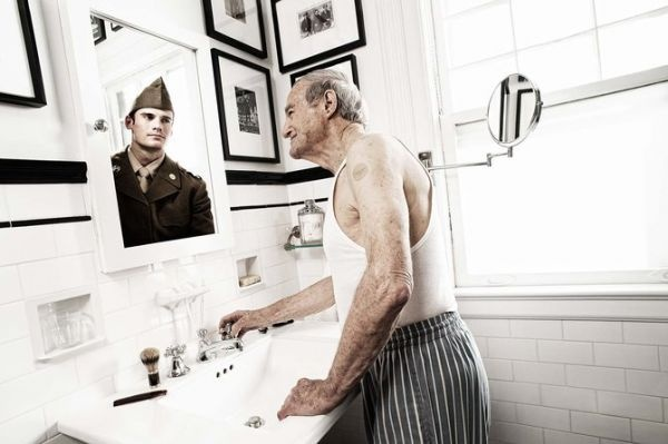 AmazingPhotos, Advertising Campaign, Mirrors, Soldiers, Tom Hussey, Portraits, Old People, Photography, Advertising Poster
