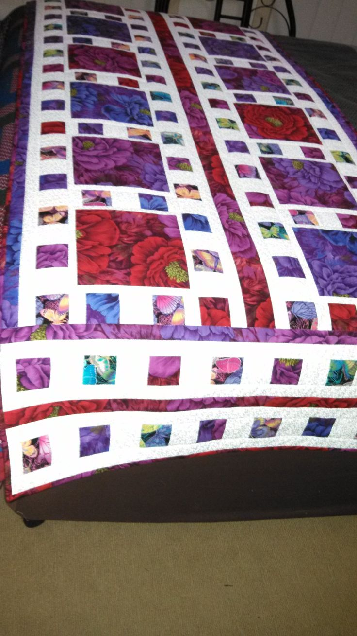 The pattern is Mosaique de Mer by Whistlepig Creek Productions. From he Quilt Board. Love this.