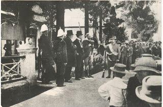 Paul Kruger gee hulde aan Amerkaanse soldate wat aan die kant van die Boere kom veg in 1900.