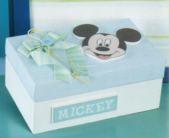 www.mpomponieres.gr Ξύλινο κουτί μαρτυρικών της Disney διακοσμημένο με τον Mickey. Μπορούμε να φτιάξουμε ολόκληρο πακέτο βάπτισης με θέμα τον Mickey. Σε κομπλέ πακέτο βάπτισης γίνετε έκπτωση 15% στην τελική τιμή. http://www.mpomponieres.gr/kouti-martirikon-tis-disney-me-ton-mickey.html