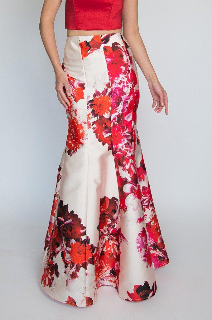 La falda sirena es una de las más elegantes y proporciona un magnífico  realce a las curvas femeninas 4cd672fb2483