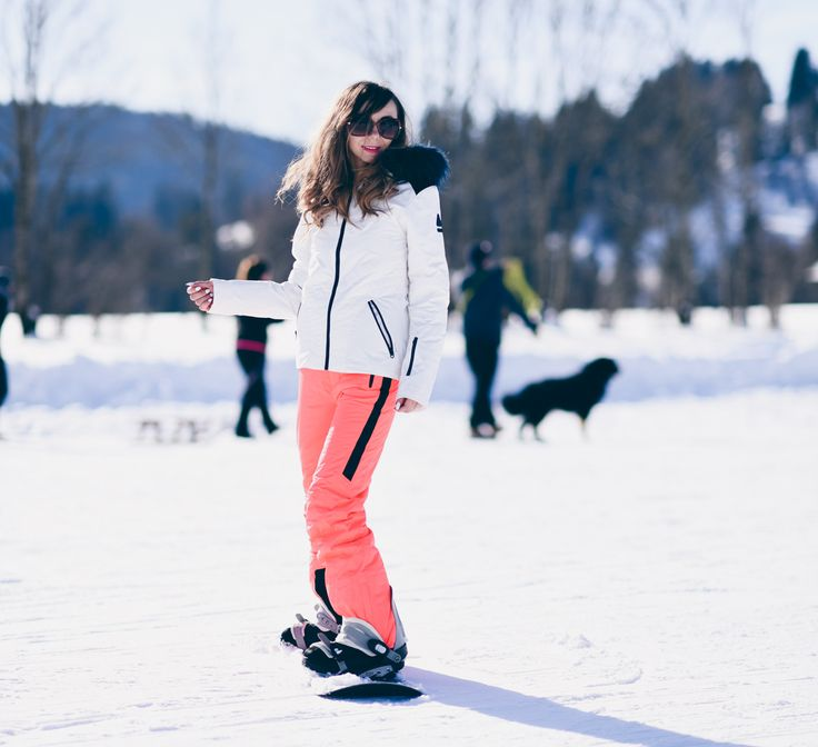 #snowboard #holiday #outfit #winter #look #snowboardoutfit #modeblog  http://fashiontipp.com