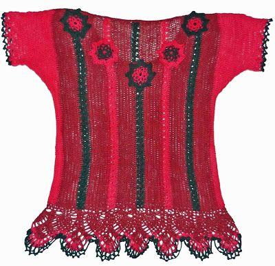 Blusa de la serie Oaxaca, tejida a crochet en hilos Textil Amazonas en colores rosa viejo, verde oscuro y rosa brillante, Talla M