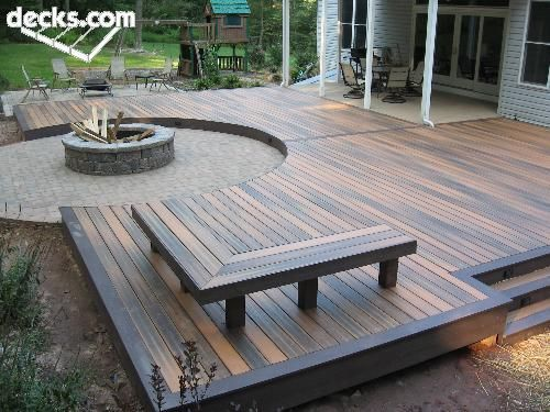 Oh. I like the multi color decking benches and fire pit. neat idea                                                                                                                                                      More #deckdesigns #deckbuildingdiy