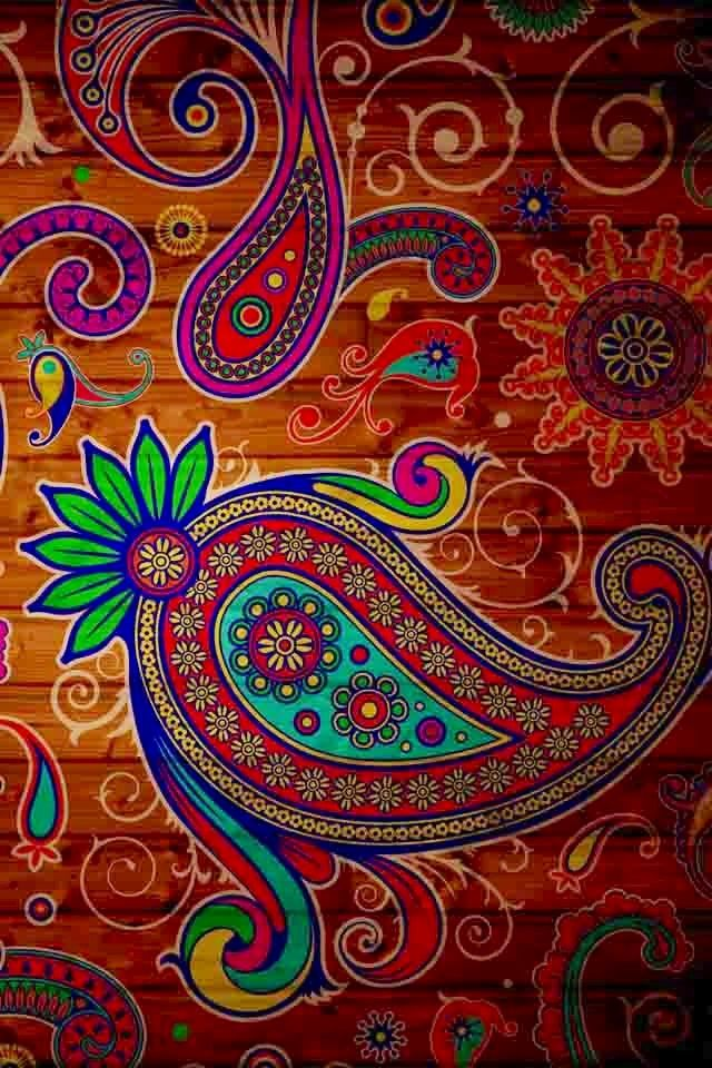 Paisley pattern image via WallpapersHD