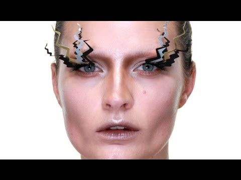 make your own halloween lashes spooky tree make up tutorial - Make Your Own Halloween Makeup