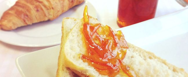 Home-made marmalade tastes wonderful – fresh and zingy!