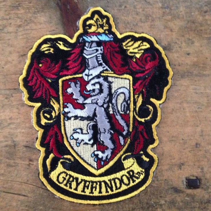 Details about HARRY POTTER House of Gryffindor Large Crest
