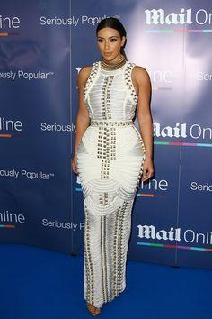Kim kardashian robe blanche dentelle