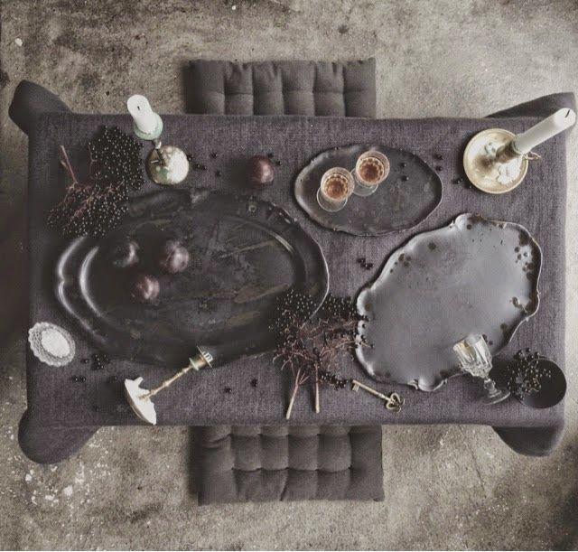 Black ceramics are. Noir ceramics by Elin Lannsjö